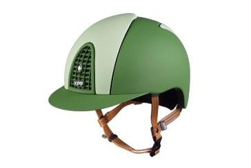 Il casco? Non solo nero….