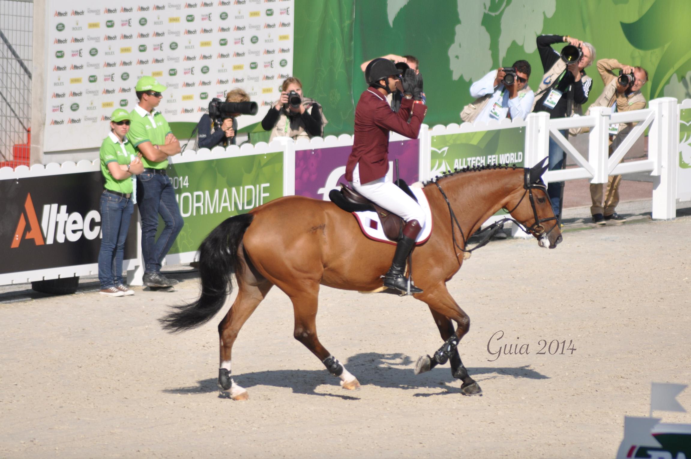 Lo sceicco Ali Al Thani vince la tappa di Coppa del Mondo di Al Rayyan