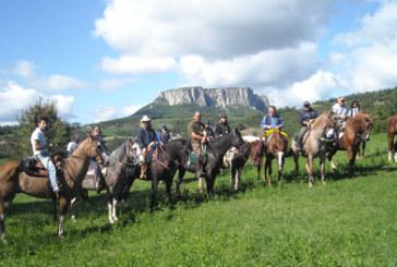 Magnalonga, turismo equestre e gastronomia tipica alla pietra di Bismantova