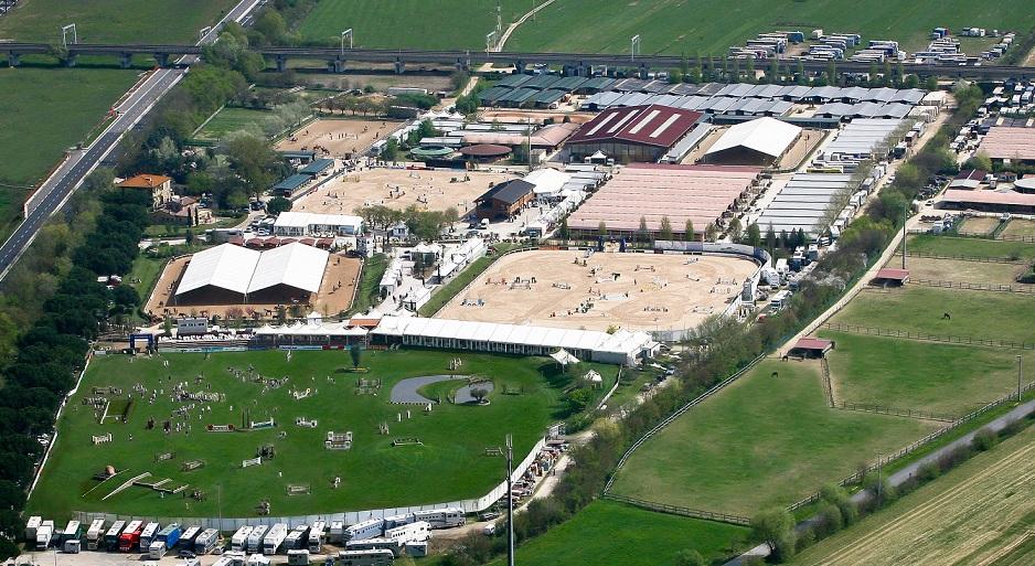 Cavalli giovani in gara per le finali all' Arezzo Equestrian Centre
