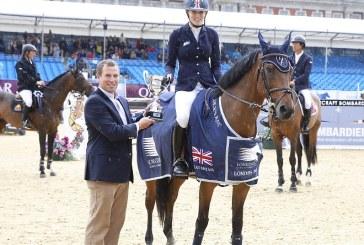 La giovane Jessica Mendoza conquista una categoria ieri all'Olympia Horse Show di Londra